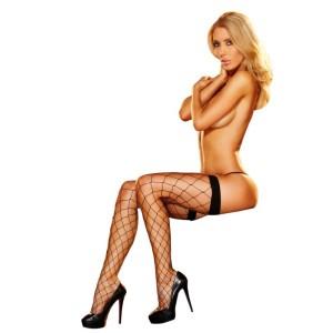 donna bionda con autoreggenti rete larga nere